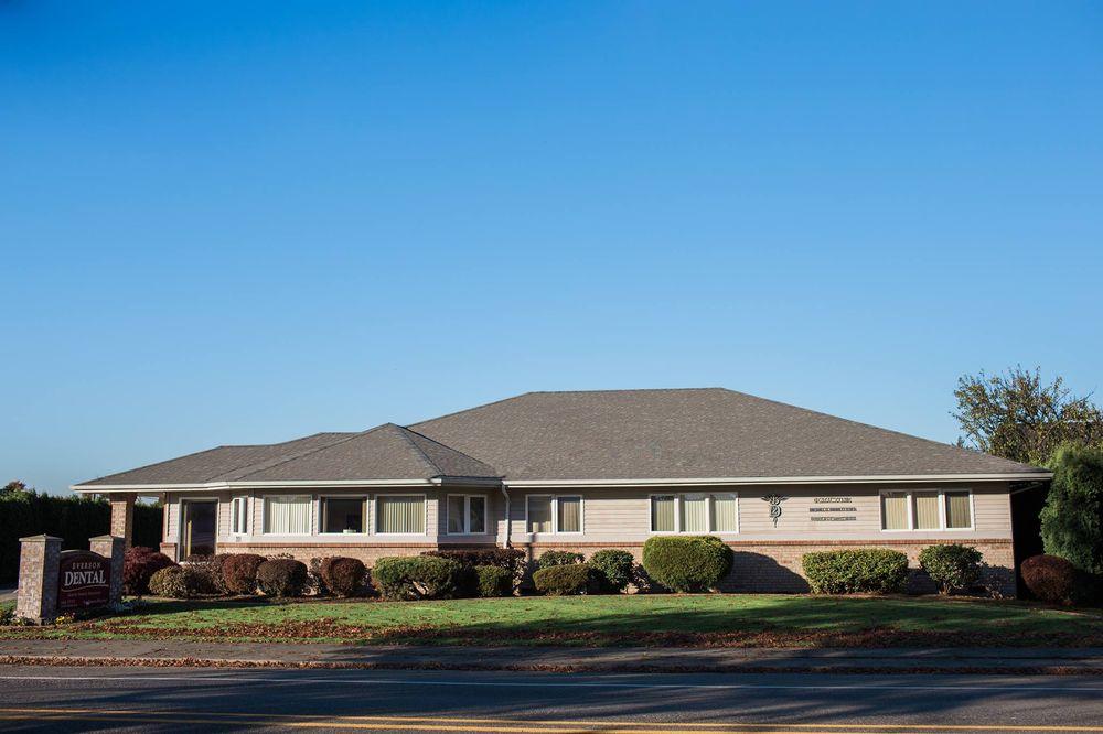 Everson Dental Clinic: 201 E Main St, Everson, WA