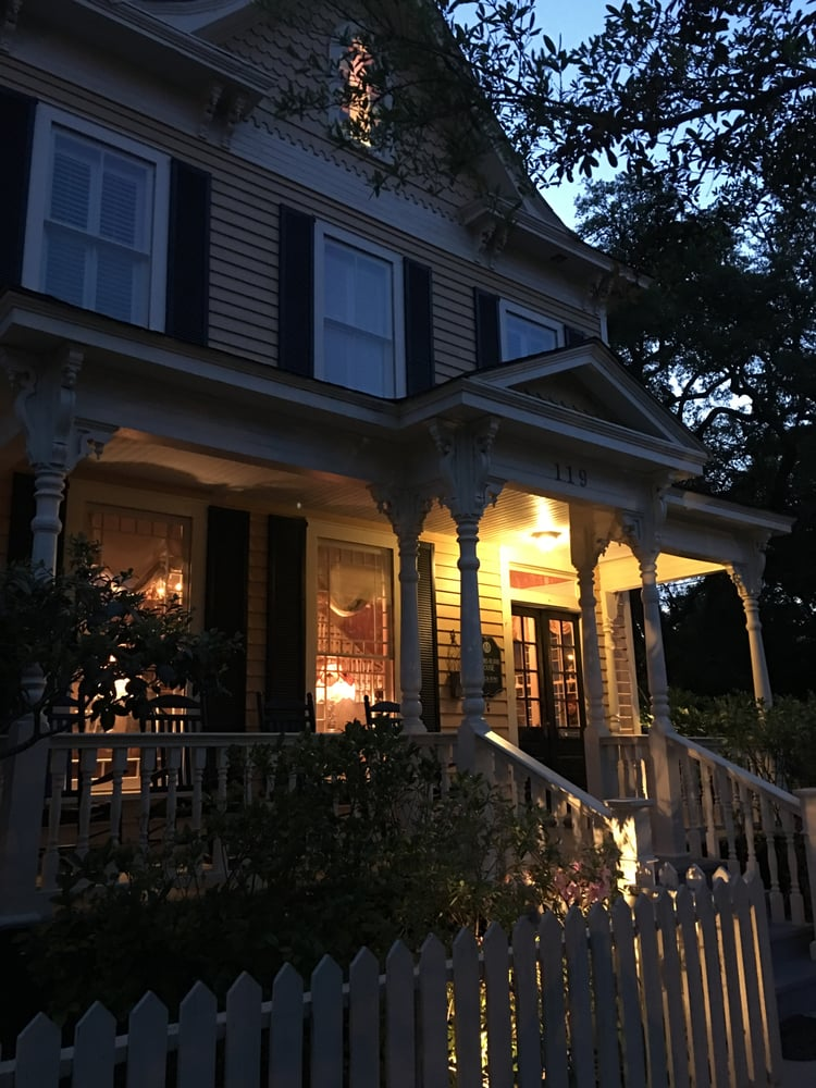 Robert Ruark Inn: 119 N Lord St, Southport, NC