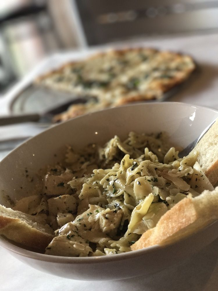 Midtown Pizza Kitchen: 584 Pinnacle Pl, Prattville, AL