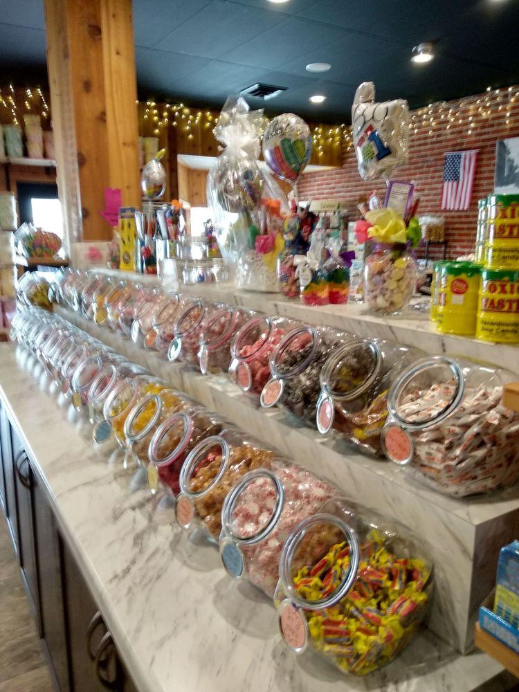 Chippewa Candy Shop: 322 N Bridge St, Chippewa Falls, WI