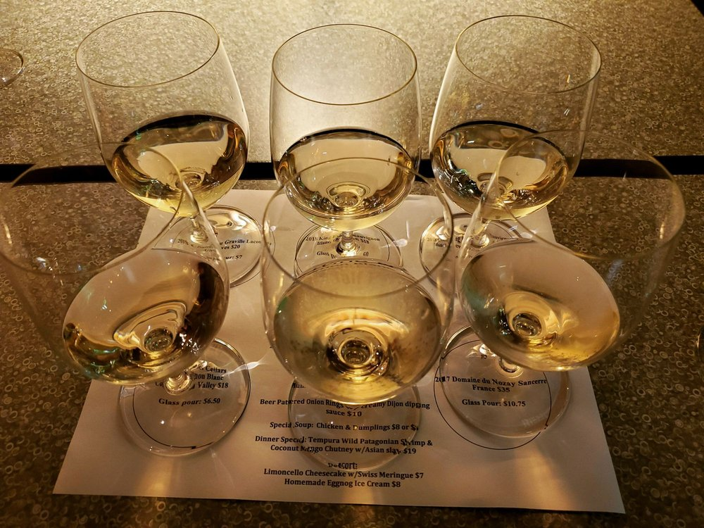 Santiam Wine & Bistro: 1555 12th St SE, Salem, OR