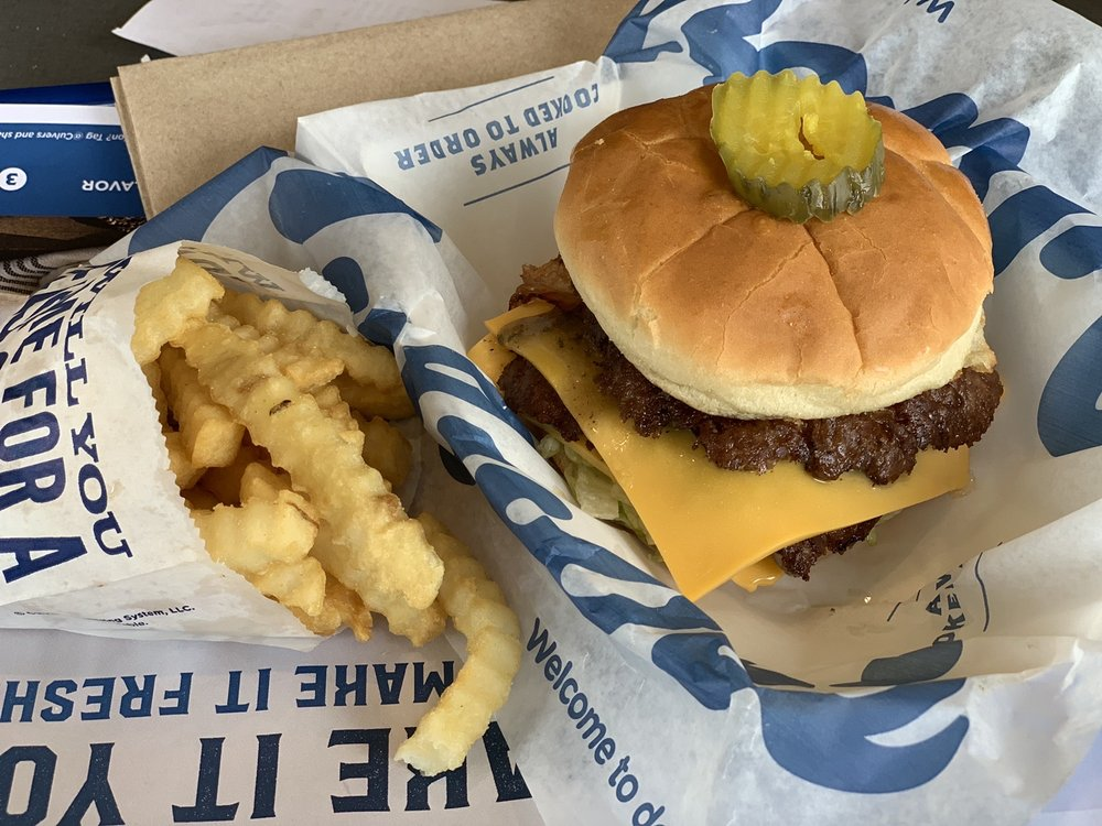 Culver's: 401 Commerce Rd, Richmond, IN