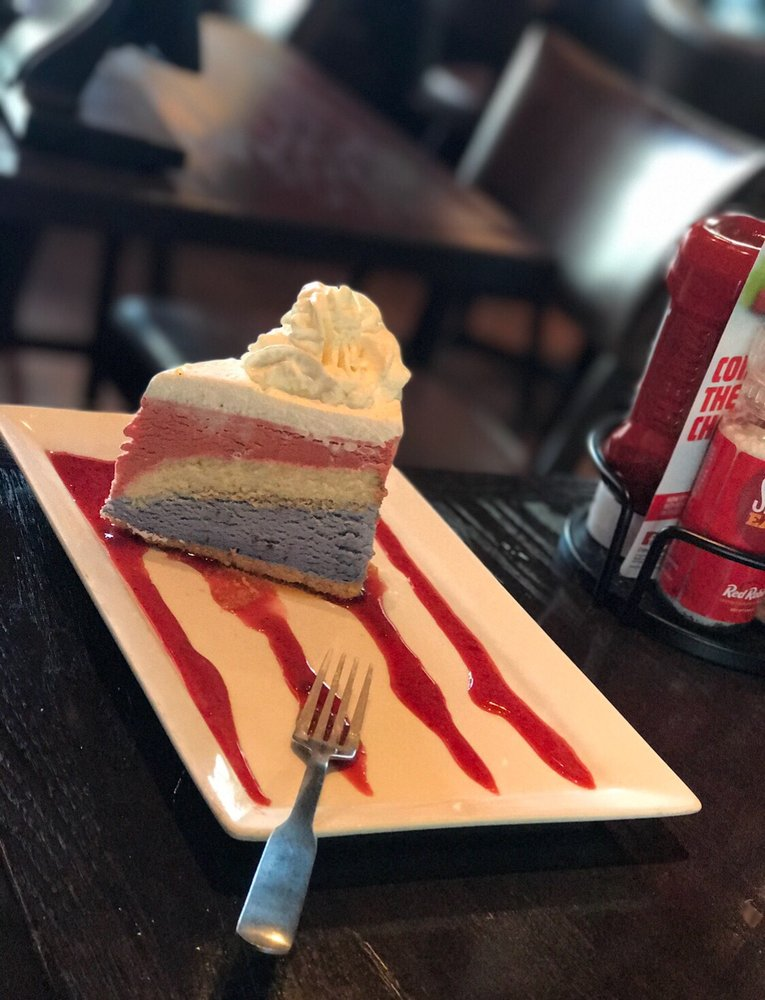 Red Robin Gourmet Burgers and Brews: 6200 Hadley Rd, South Plainfield, NJ