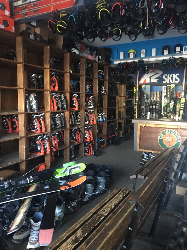 Ski Renter: Main St And Old Mammoth Rd, Mammoth Lakes, CA