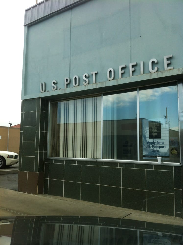 US Post Office: 322 State Ave, Shafter, CA