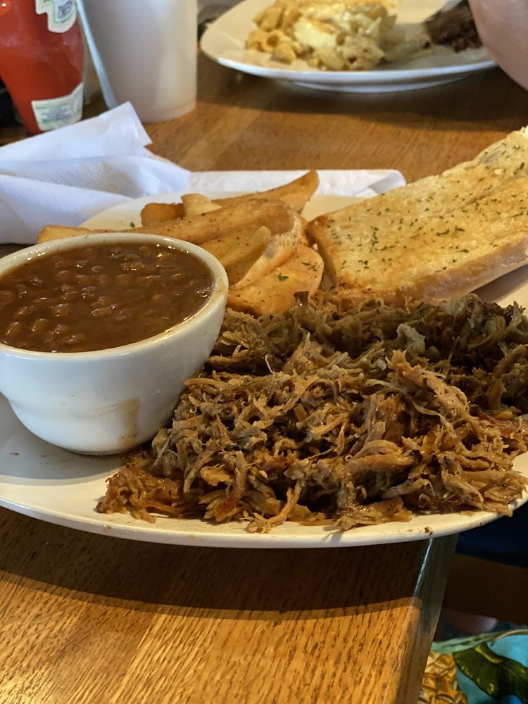 ShnookumsBBQ: 1575 S Ft Harrison Ave, Clearwater, FL