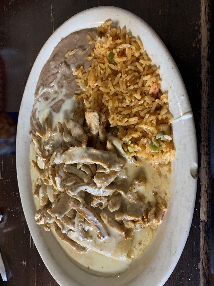 La Villa Mexican Restaurant: 2640 N West Ave, El Dorado, AR