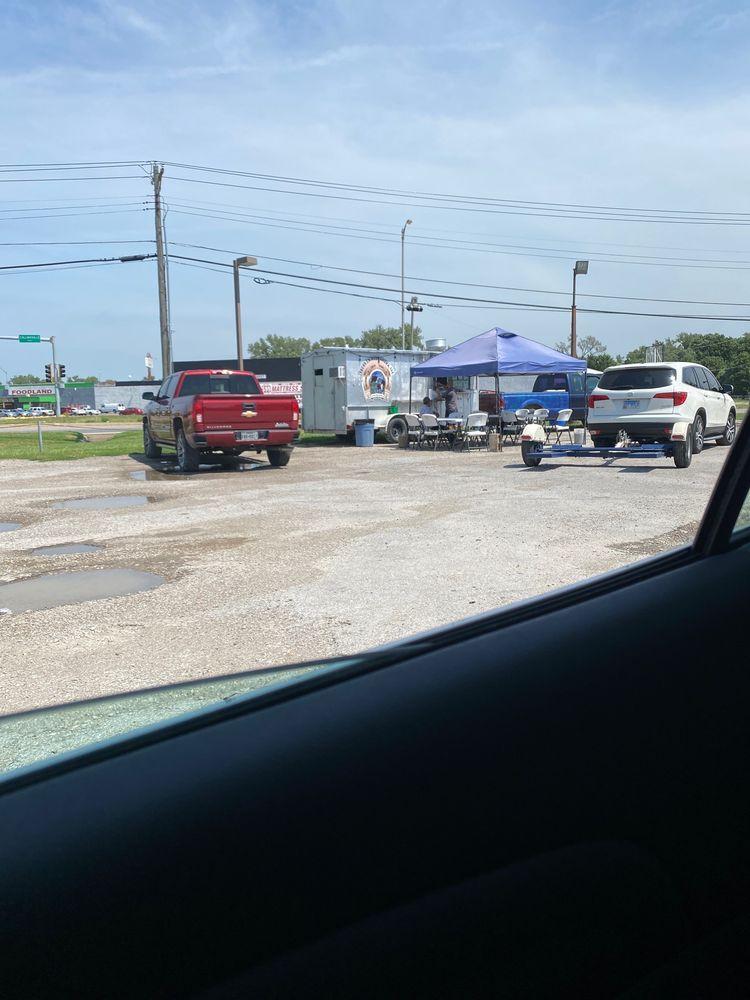 Tacos La Herradura: 5410 Collinsville Rd, Fairmont City, IL