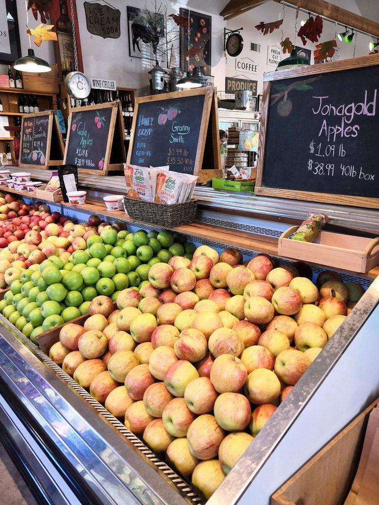 EZ Orchards Farm Market: 5504 Hazelgreen Rd NE, Salem, OR