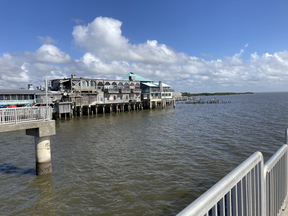 Harbour Master Suites: 390 Dock St, Cedar Key, FL