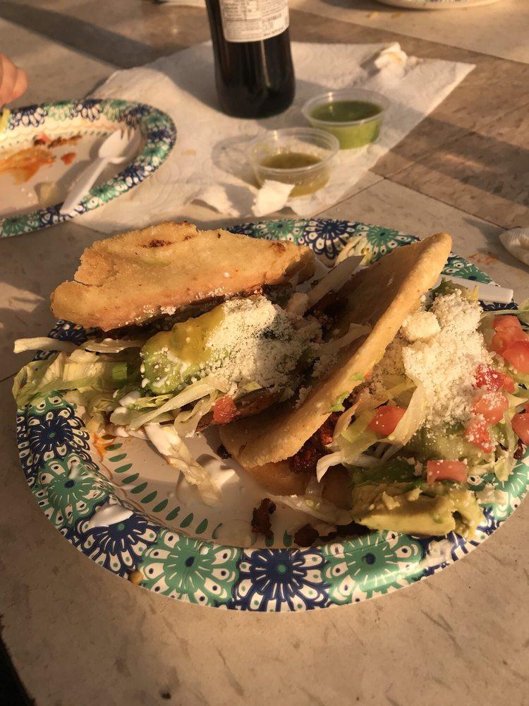 El Capullo Taco Trailer: SE 185th & Stark, Gresham, OR