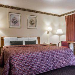 Econo Lodge - 18 Photos - Hotels - 227 W Main St, Malone, NY - Phone