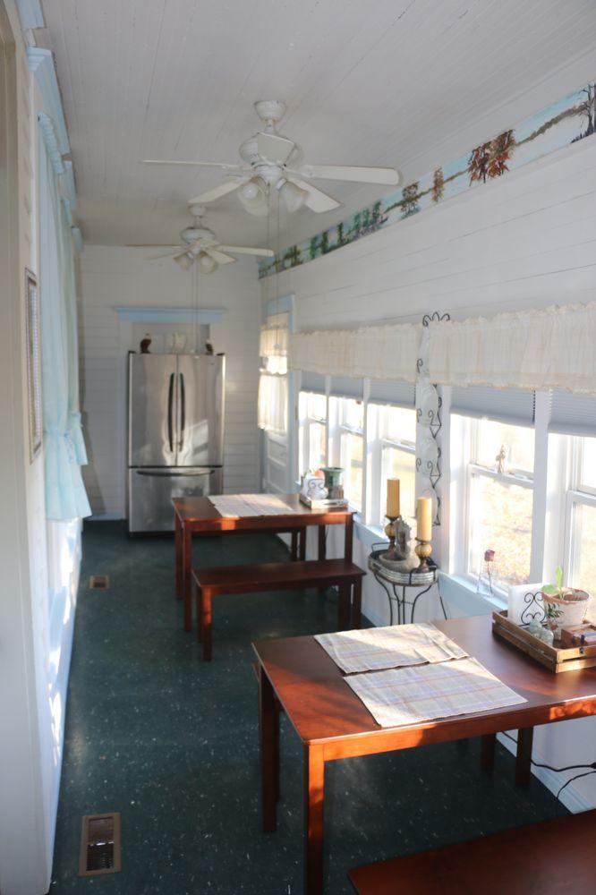 Eagle's Rest Inn: 365 Sunkist Beach Rd, Tiptonville, TN