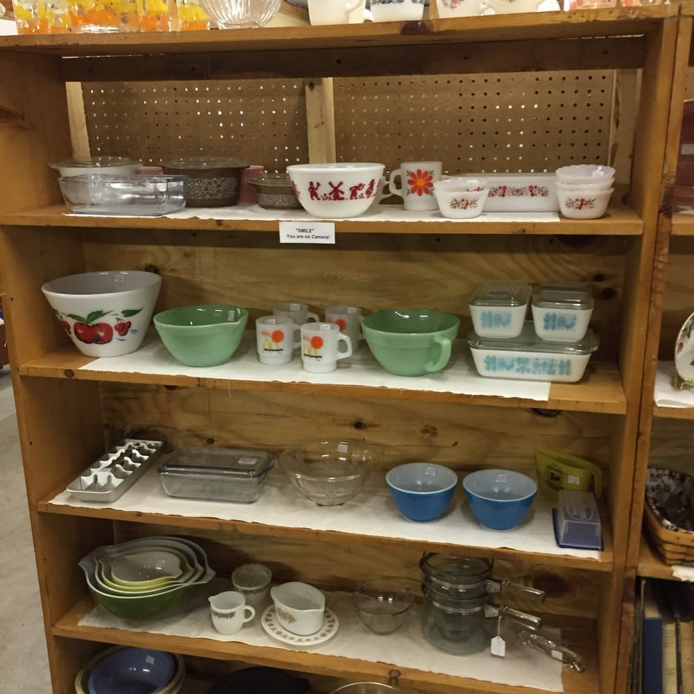 Sweet Memories Antique Mall: 5 Pricketts Fort Rd, Fairmont, WV