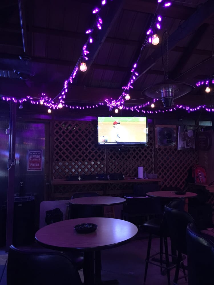 Bob's Butternut Hut: 215 N 2nd St, Springfield, IL