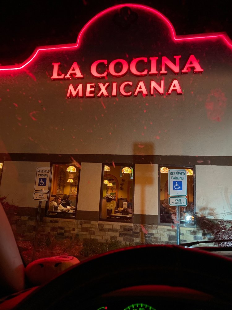 La Cocina Mexicana: 106 S 12th St, Murray, KY