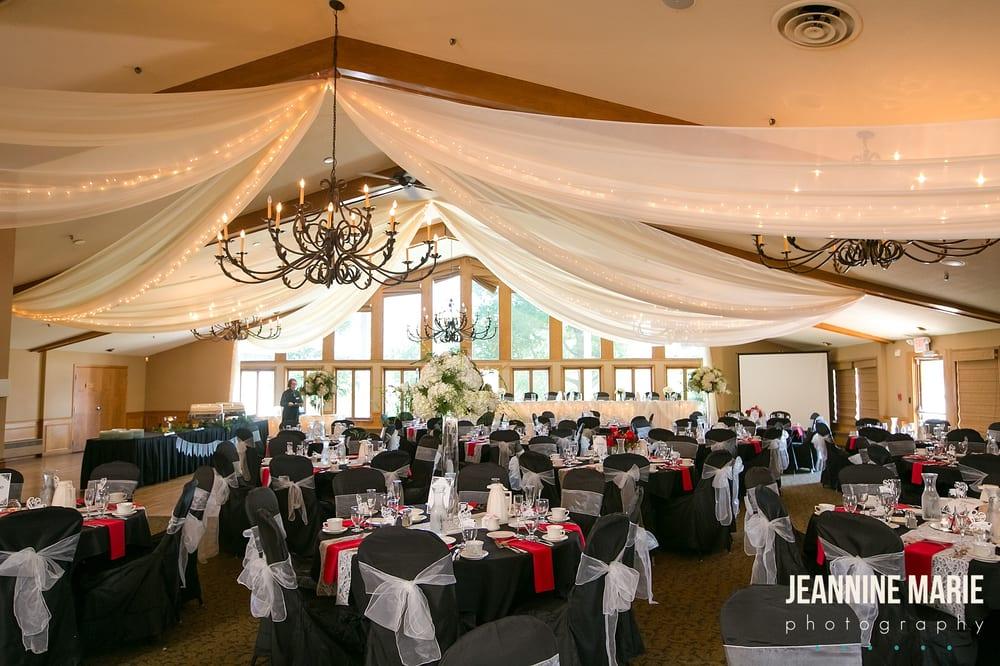 Majestic Oaks Golf Club: 701 Bunker Lake Blvd NE, Ham Lake, MN