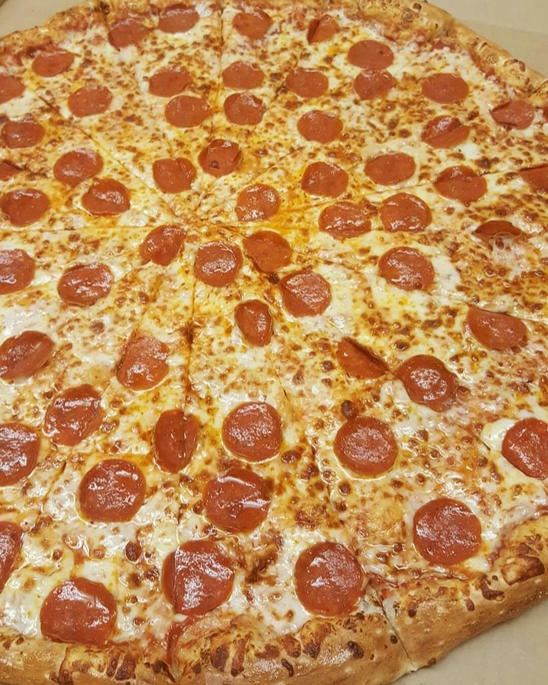 American Pie Pizzeria: 112 Main St, Barnesville, GA