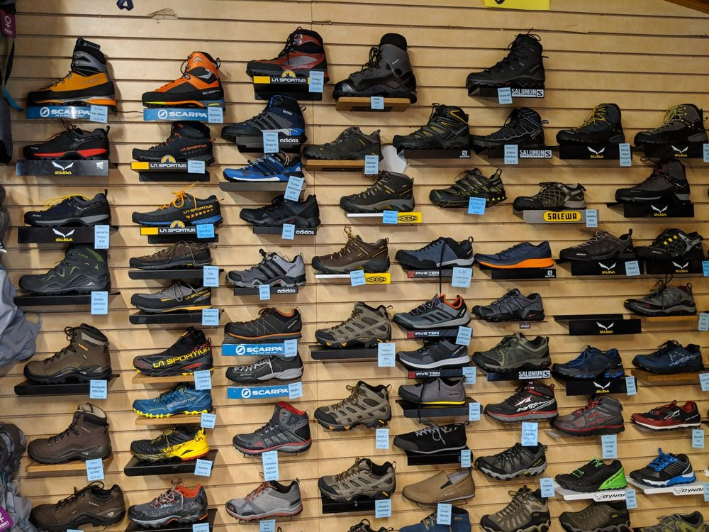 Mammoth Mountaineering Supply: 361 Old Mammoth Road, Mammoth Lakes, CA
