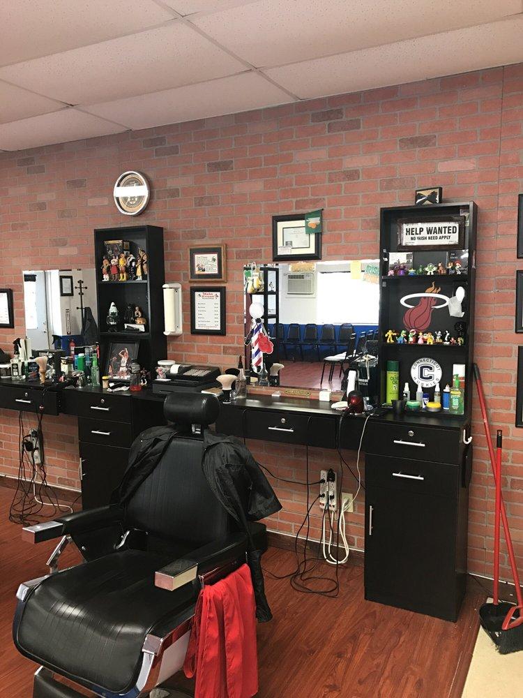 The Main Event Barber Shop: 500 Main St, Sturbridge, MA