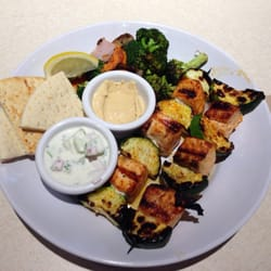 Zoes Kitchen Salmon Kabob zoes kitchen - 31 photos & 75 reviews - mediterranean - 280 n