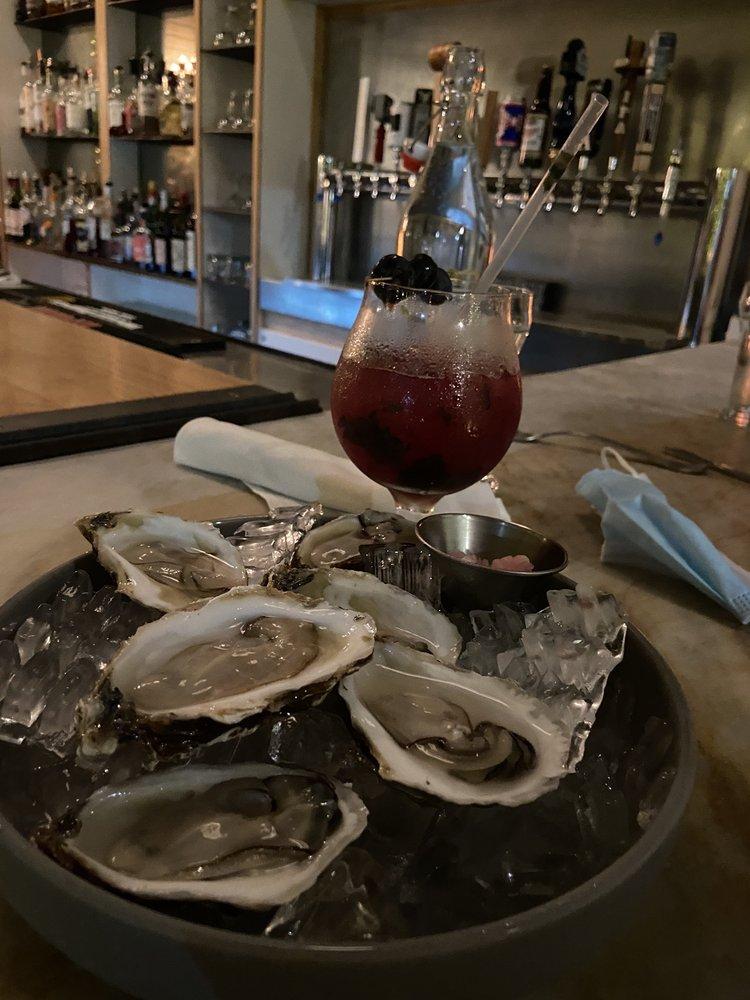 Methuselah Bar and Lounge: 391 N St, Pittsfield, MA