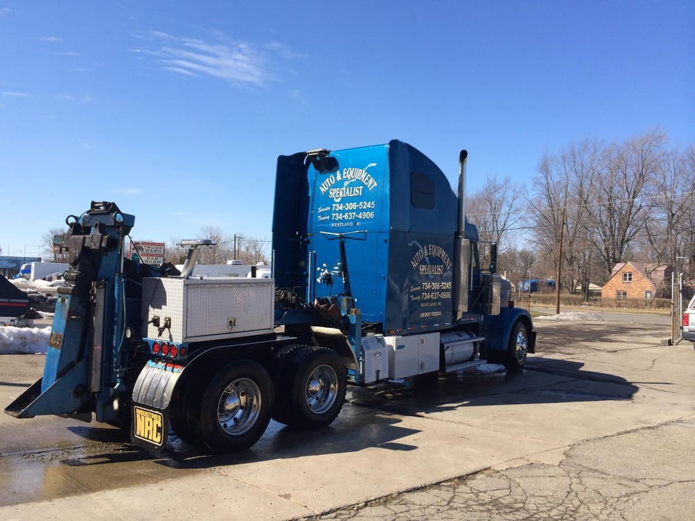 AES Towing & Recovery: Romulus, MI