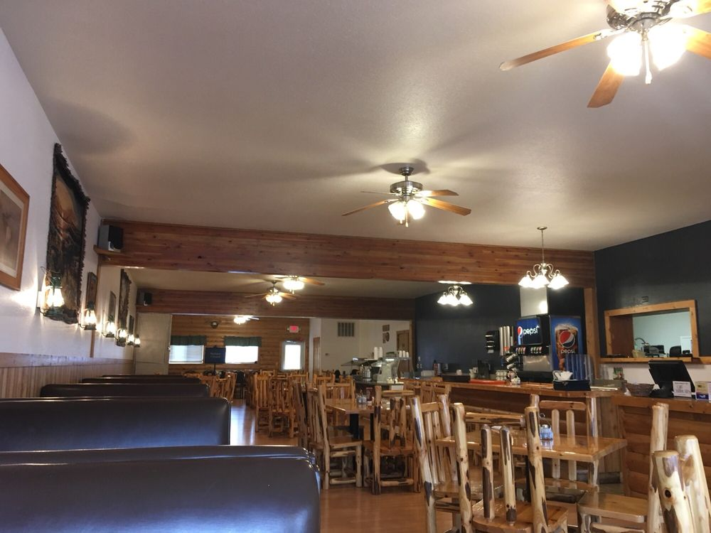 Cozy Corner Cafe: 402 Central Ave, Fairfield, MT