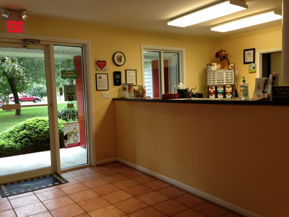Arnold Veterinary Hospital: 1414 Ritchie Hwy, Arnold, MD