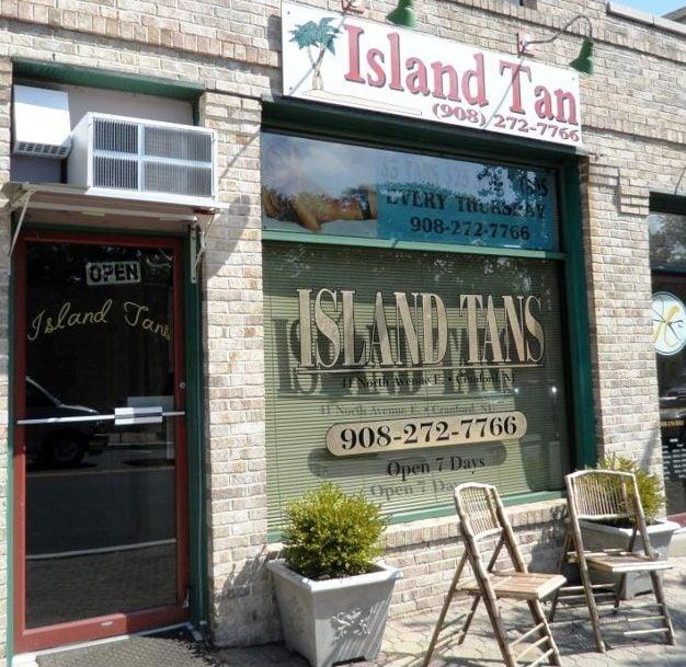 Island tans 15 photos spray tanning 41 north ave e for Absolute tan salon milton fl