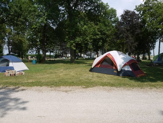 Cozy Corners Campground: 805 N 25th Rd, Oglesby, IL