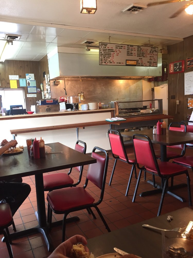 Daily Bread Barbecue: 305 Jackson Ave S, Russellville, AL