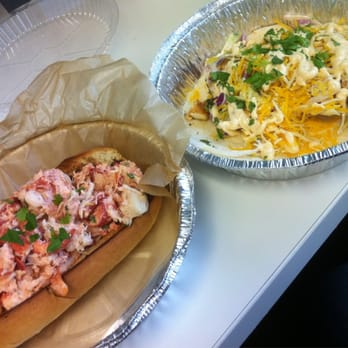 Go fish 27 photos 45 reviews food trucks 1717 for Fish taco bethesda md