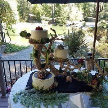Pine Garden Wedding Cake Review