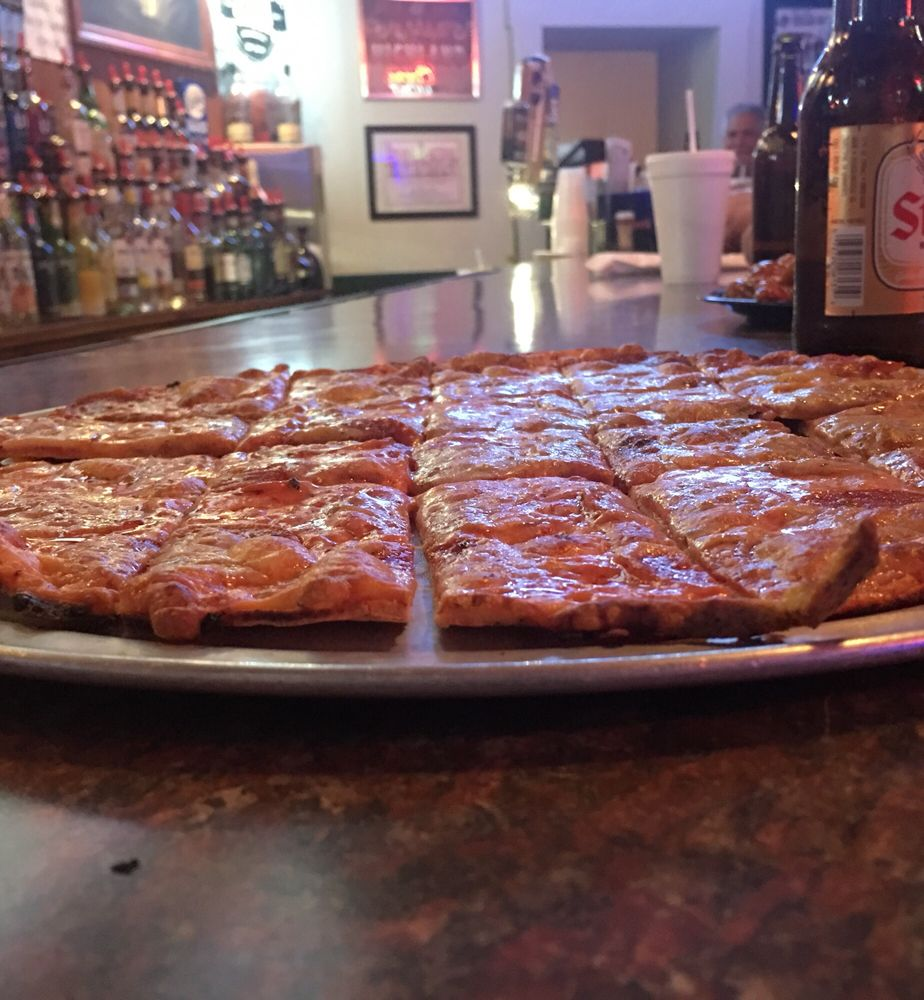 Sam's Pizza & Pub