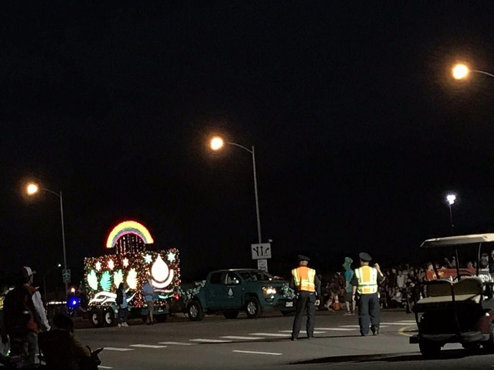 Kapolei City Lights Parade - 30 Photos - Festivals - Kapolei Pkwy ...