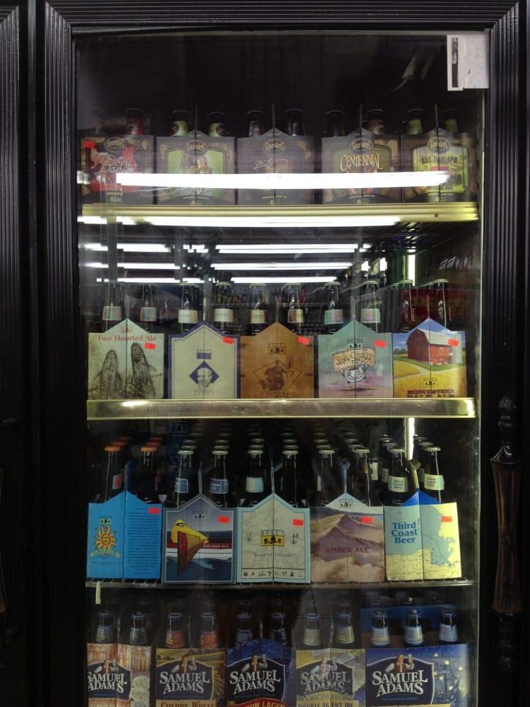 Marvin's Liquor Store of Flushing: 807 Chamberlain St, Flushing, MI