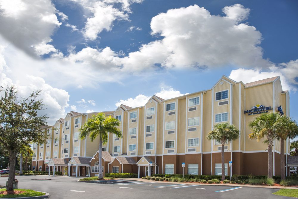 Microtel Inn & Suites by Wyndham Lehigh - Lehigh Acres