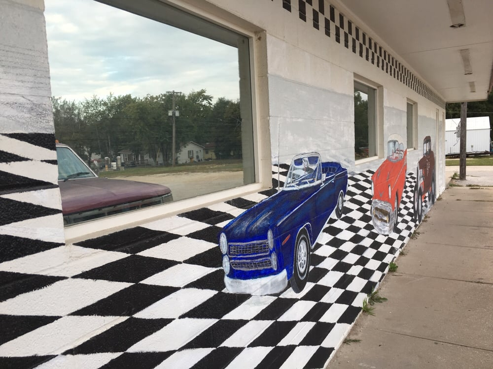 58 Drive In: 300 E 10th St, Holden, MO