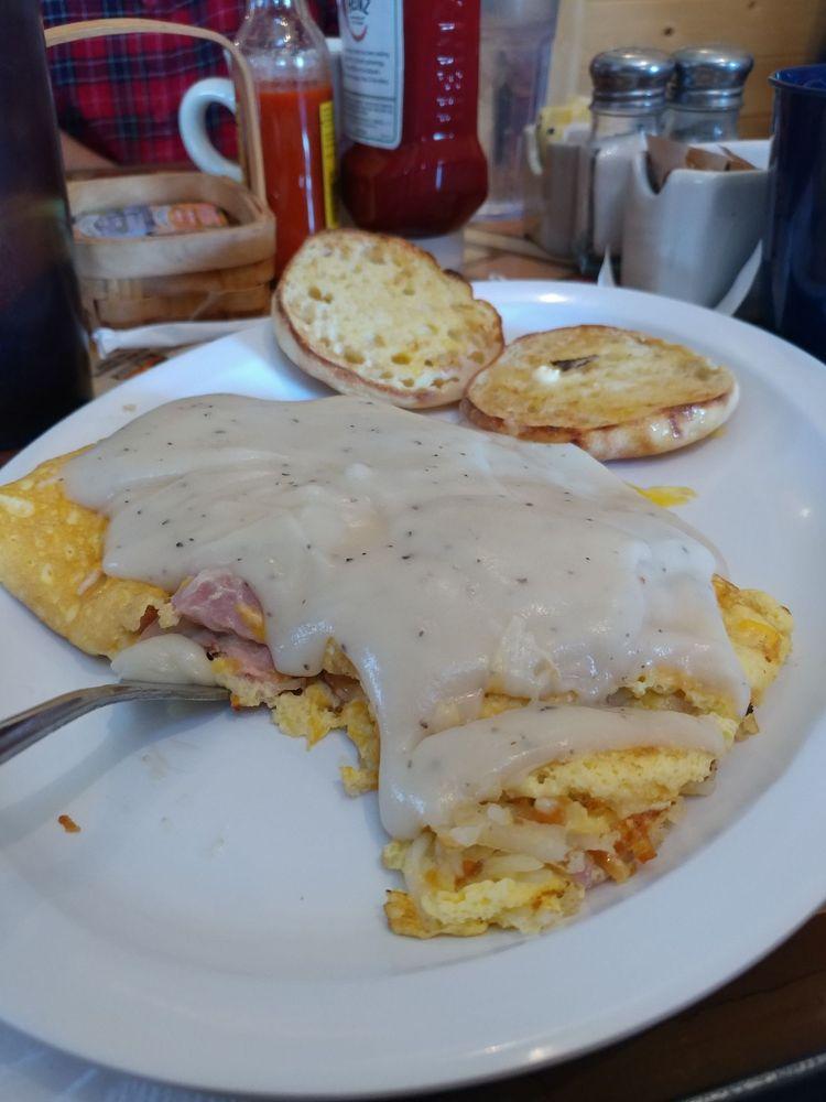 Three Bear's Cafe: 1824 Hwy 260, Heber-Overgaard, AZ