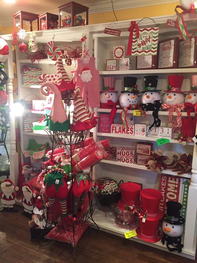 The Christmas Haus: 311 Elm St, Kimmswick, MO