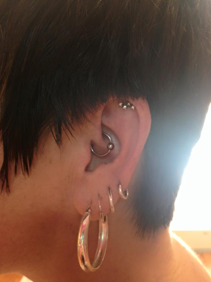 Daith piercing helping to relieve migraines yelp for Piercing salon