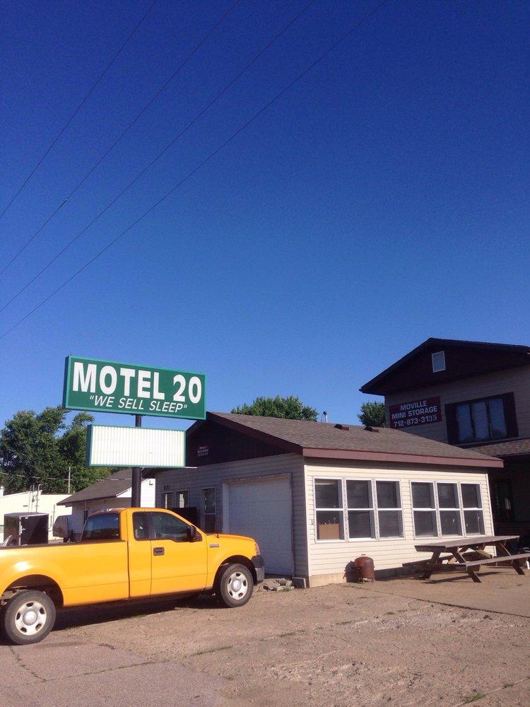 Motel 20: 631 E Frontage Rd, Moville, IA