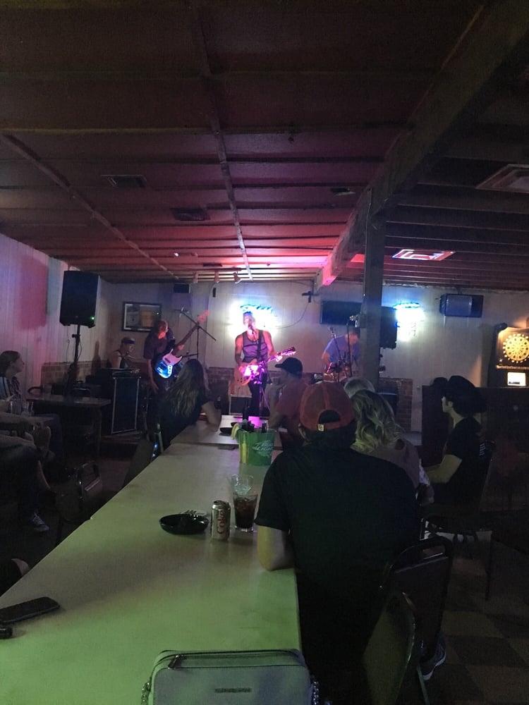 Midway Club: 14501 SE 29th St, Choctaw, OK