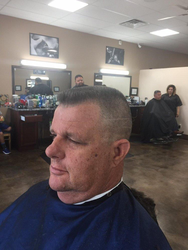 Vintage Cutz 15 Photos 22 Reviews Barbers 2695 Mt Vernon Ave