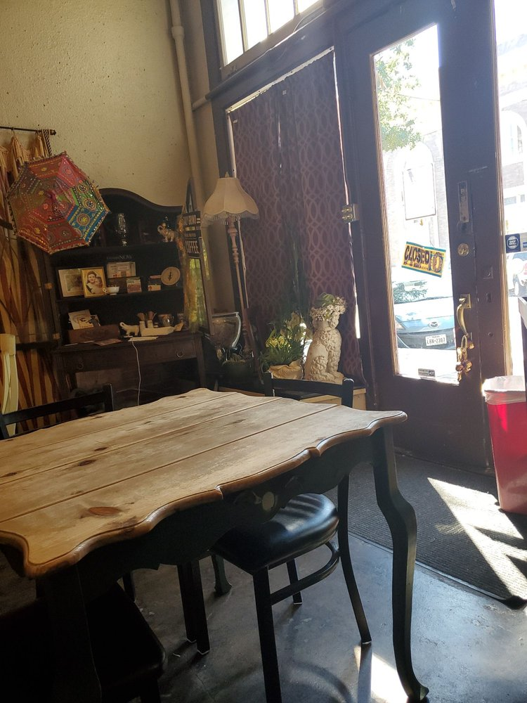 Lady Diana's Zen Cafe: 106 W 6th Ave, Corsicana, TX