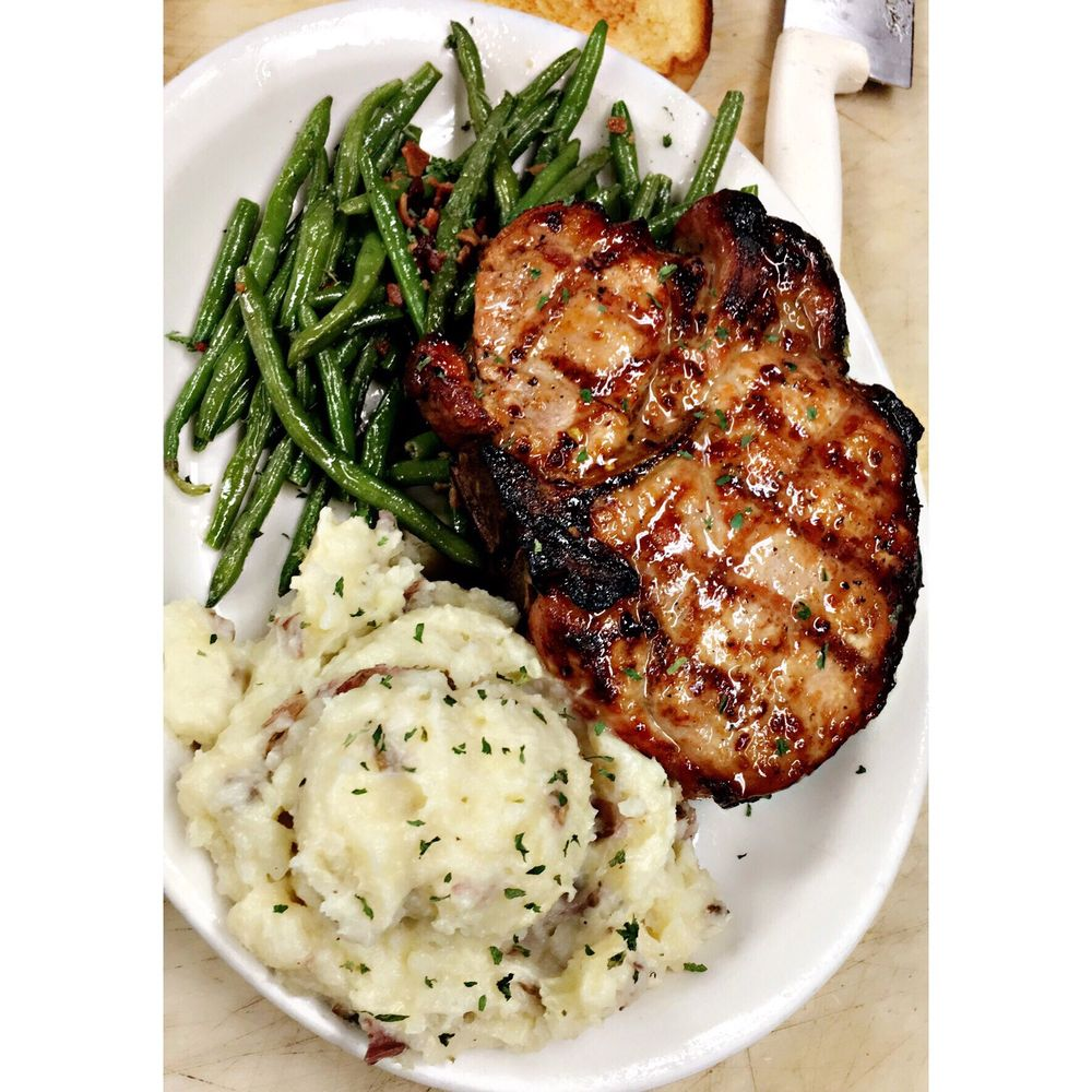 The Stables Downtown Grill: 206 N Sping St, Tupelo, MS