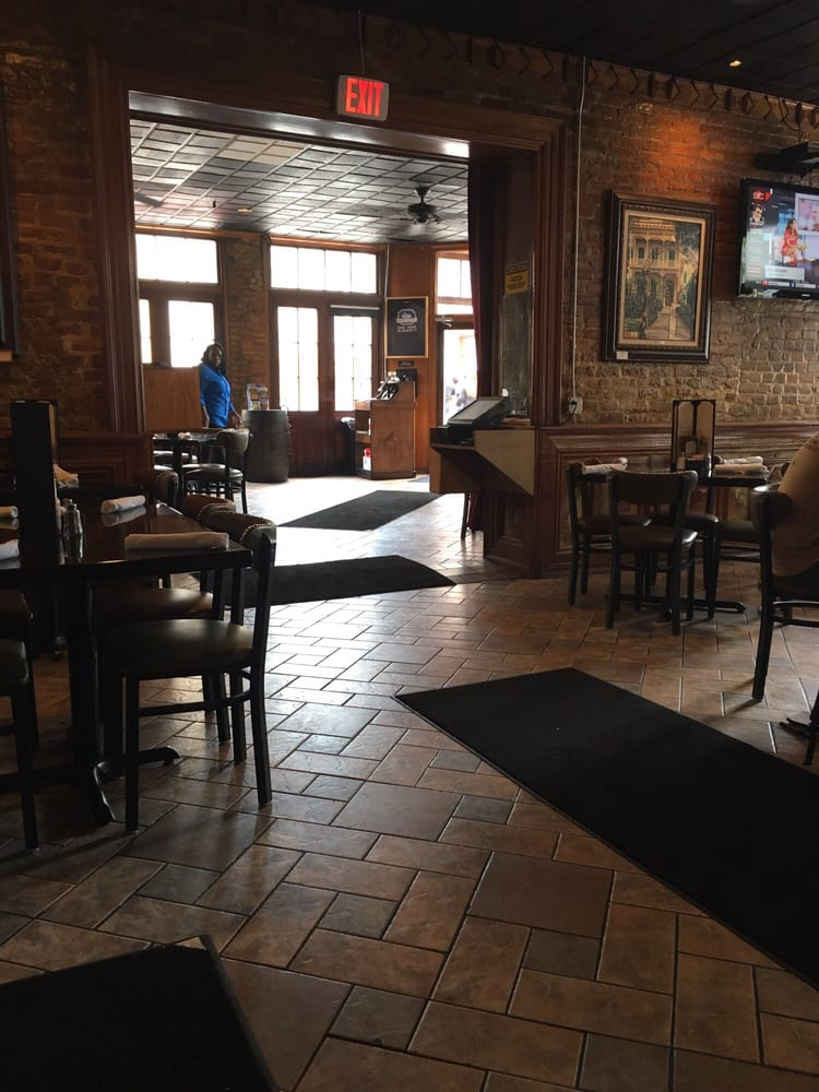 Huck Finn S Cafe Nola