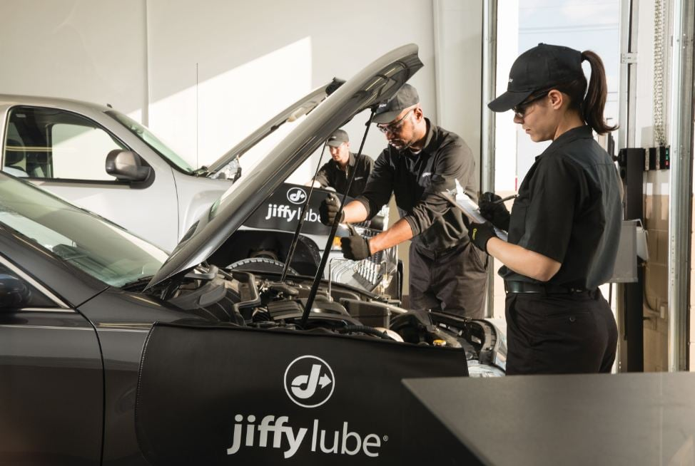 Jiffy Lube: 355 Morthland Dr, Valparaiso, IN