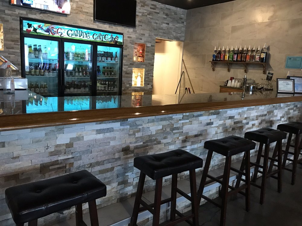 TC's 3 Pub: 14121 S Cicero Ave, Crestwood, IL